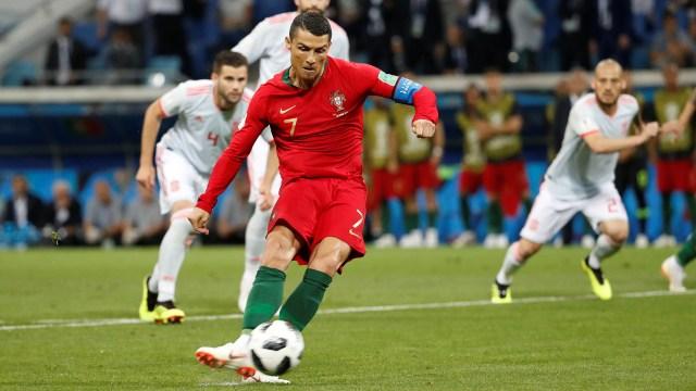 La ejecución de Cristiano en el gol de penal (Reuters)