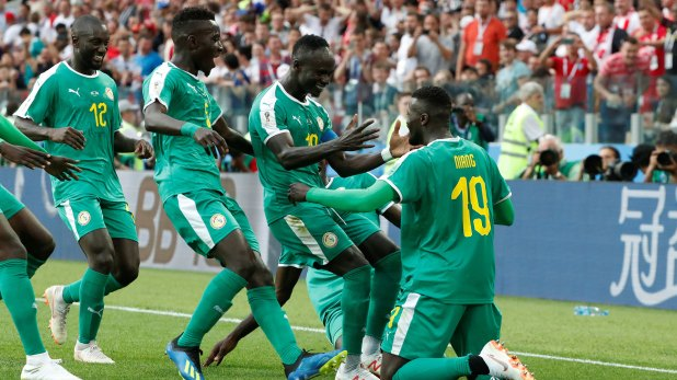 Senegal celebra el triunfo ante Polonia en el debut (Reuters)