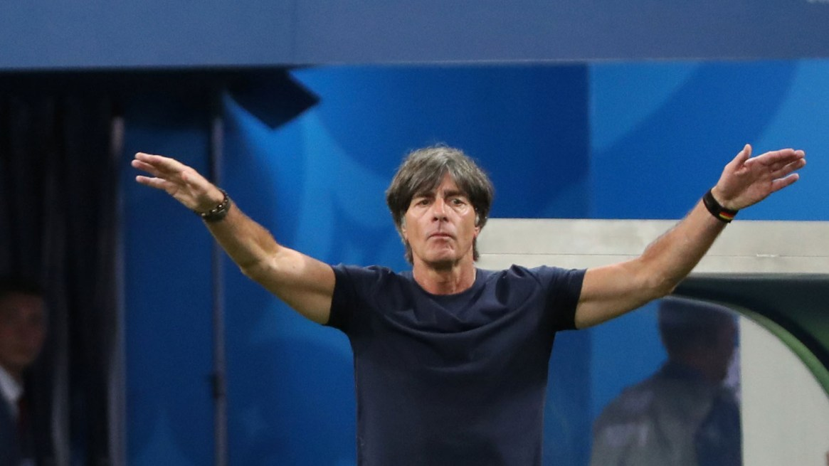 Joachim Low decidió iniciar e recambio en el combinado alemán (Reuters)