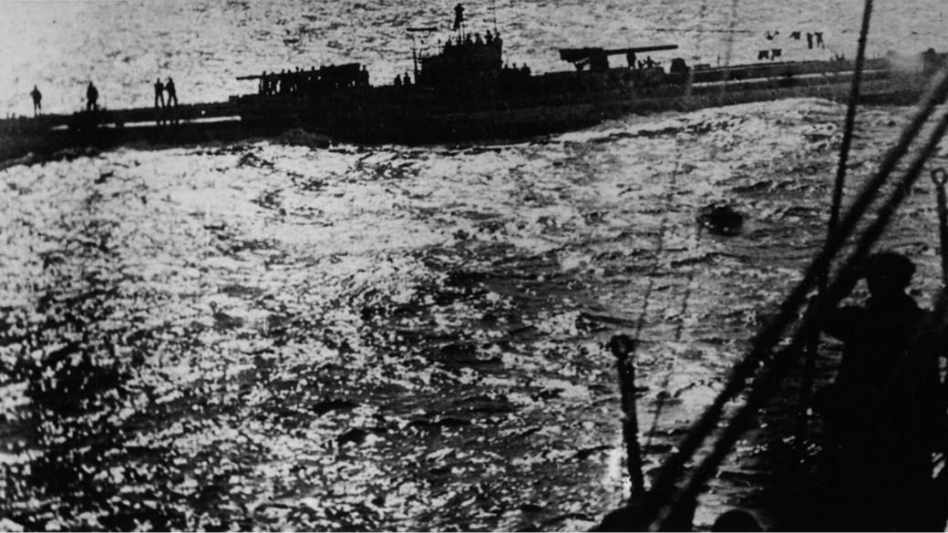 Los submarinos alemanes practicaron dos mortíferas campañas de guerra irrestricta contra el comercio internacional