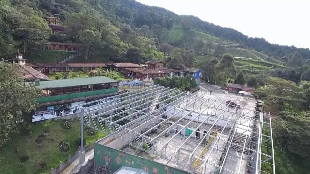 La Catedral se sitúa en una zona montañosadiez kilómetros al sur de Medellín(Youtube)