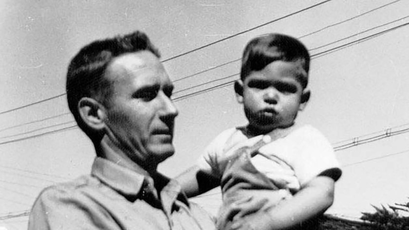 Jobs junto a su padre adoptivo.