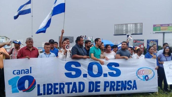 Periodistas marchan en Managua reclamando por el fin de los ataques a la prensa
