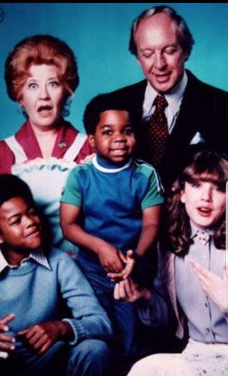 """Charlotte RAE en """"Blanco y Negro"""", serie que lanzó a Gary Coleman al estrellato"""