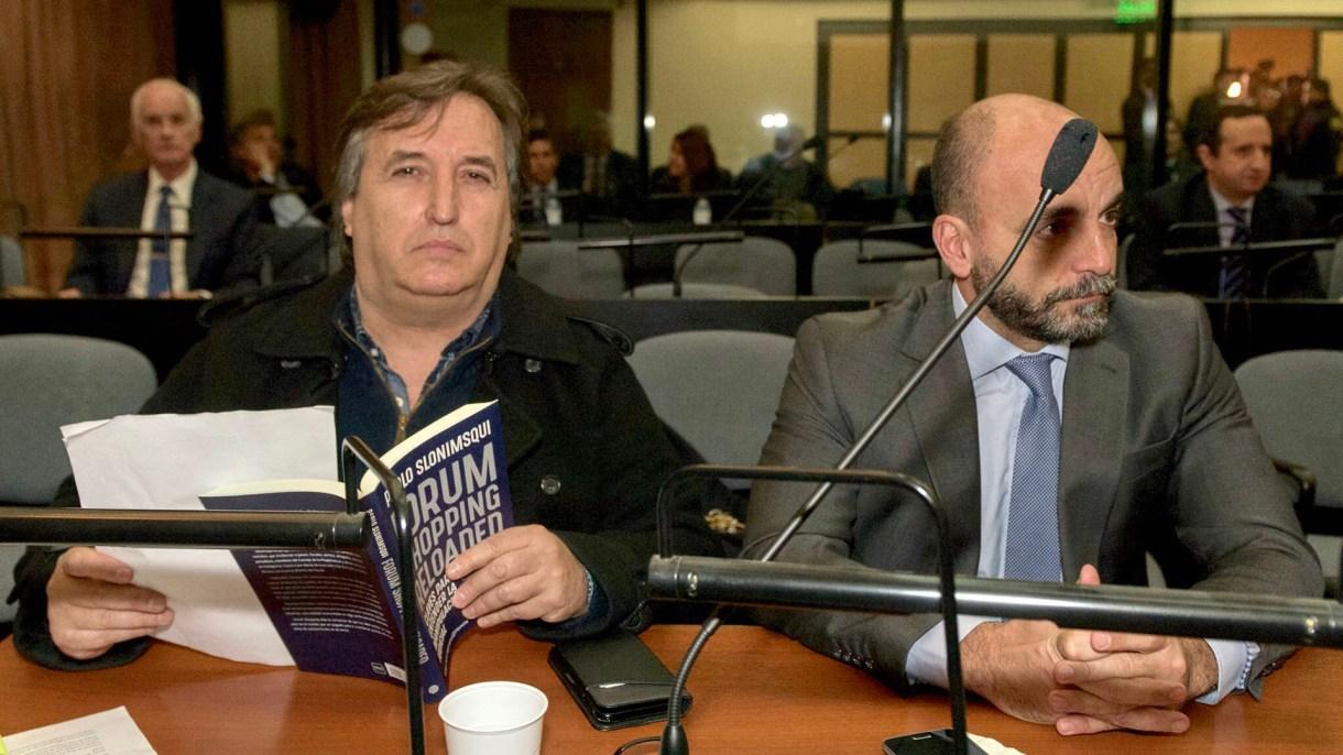 Núñez Carmona y su abogado Matías Molinero en una de las audiencias del juicio Ciccone (Adrián Escandar)