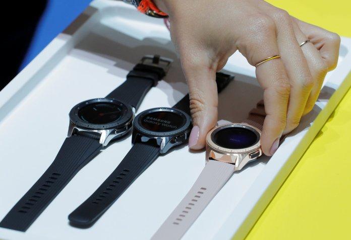 El celular viene en nuevos colores de esfera (Silver, Midnight Black y Rose Gold)ypulsera personalizables (REUTERS/Lucas Jackson).