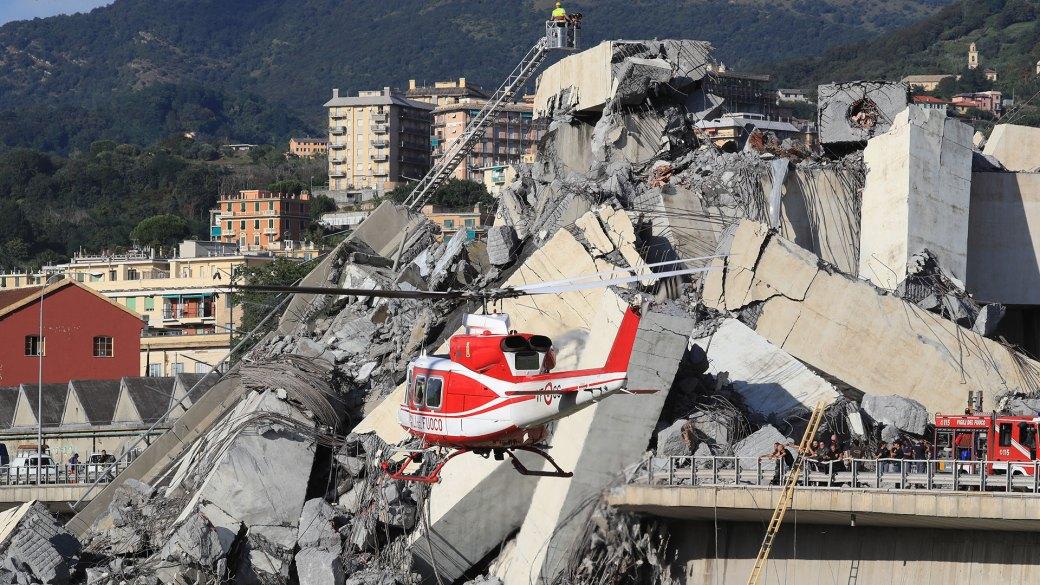 Así quedó el puente Morandi depsués del derrumbe de uno de sus tramos