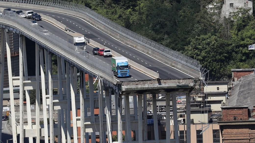 El puente cayó el martes pasado (AFP)