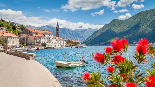 Los expertos en arquitectura temen que la superpoblación destruya al pueblito en Montenegro (Getty Images)