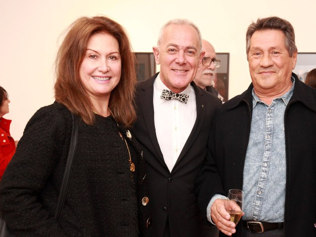 Lili Monsegou, Martin Wullich y el coleccionista de arte Pablo Birger /// Fotos: Gentileza Martin Wullich