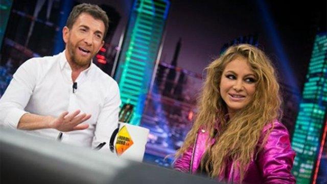 Paulina Rubio, con Pablo Motos, el condutor español (El Hormiguero)
