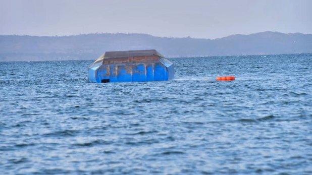 Unas 40 personas fueron rescatadas tras el naufragio de un ferry en Tanzania (AP)