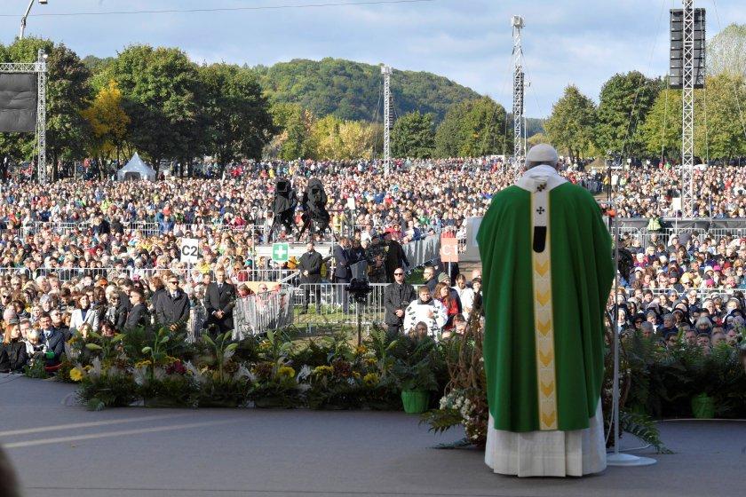 La misa en Kaunsas (Reuters)