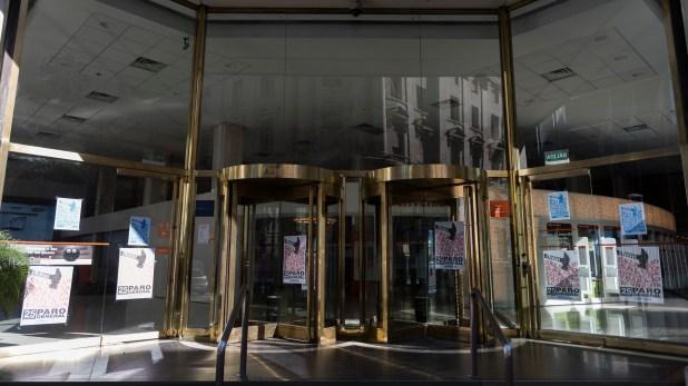 La banca pública estará mayoritariamente cerrada junto a algunas entidades del sector privado (Adrián Escandar)