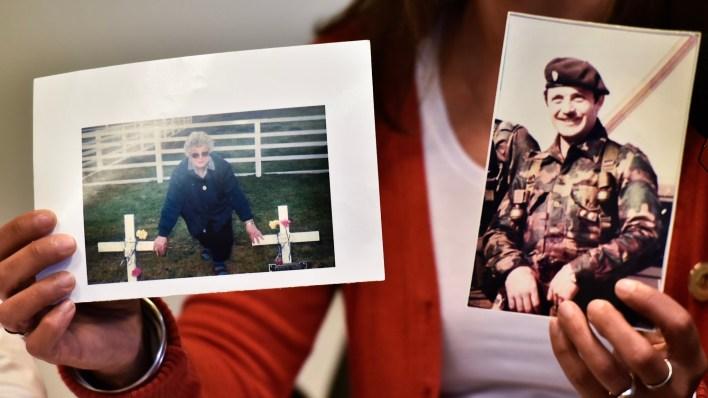 La foto de la abuela Elda en Darwin y la imagen de su tío Rubén (Adrián Escandar)