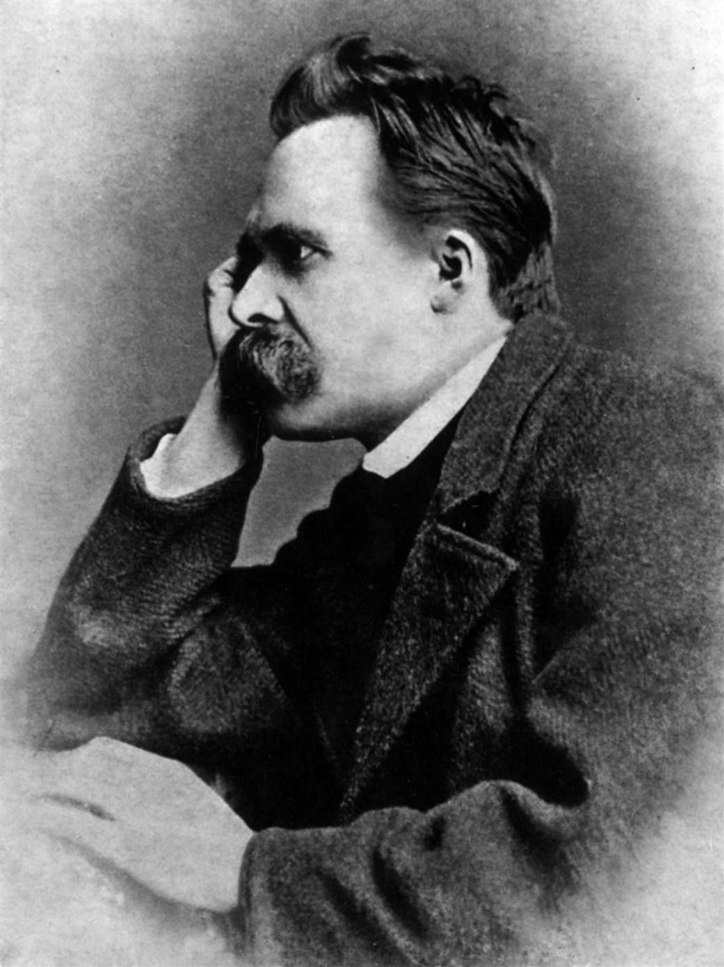 Friedrich Nietzsche en 1882 (Foto de Gustav Schultze)