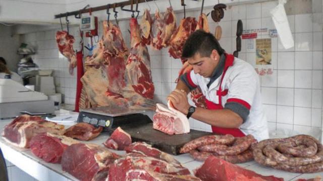 En términos per cápita, el envío de carne vacuna al mercado interno habría pasado de 59 kg/hab/año equivalente en agosto a 49,1 kg/hab/año equivalente en septiembre.