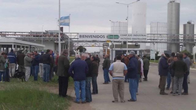 """Tamberos reclaman por una solución a la """"crisis lechera"""""""