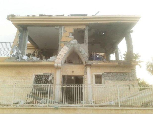 La casa golpeada por un cohete palestino
