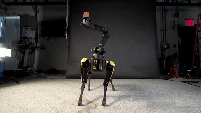 SpotMini Integra un sistema de visión 3D, cámara de profundidad y otros sensores.