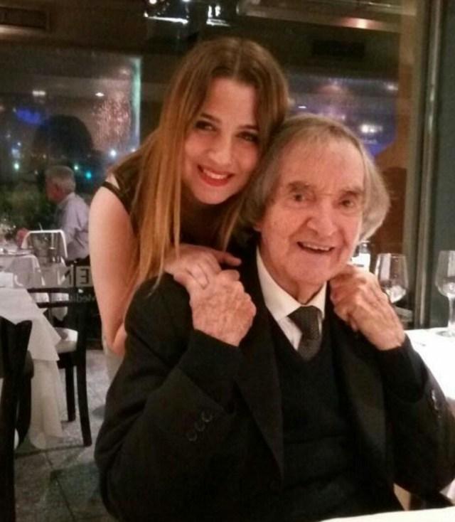 Carlitos Balá y su nieta Laura