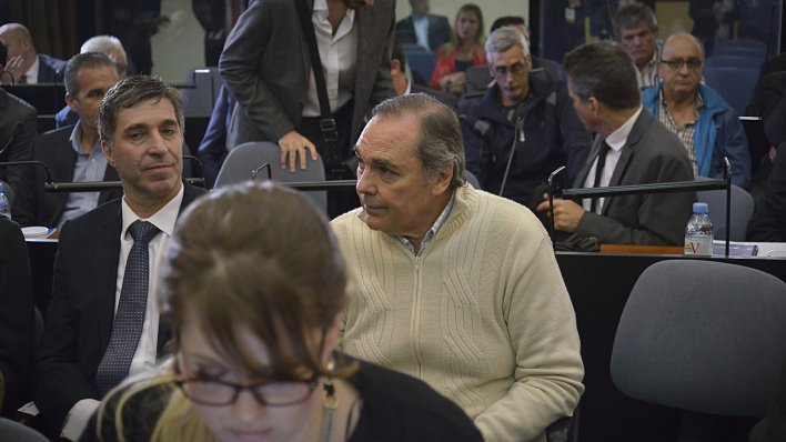 Daniel Pérez Gadín, de pulover claro, contador de Báez (Gustavo Gavotti)