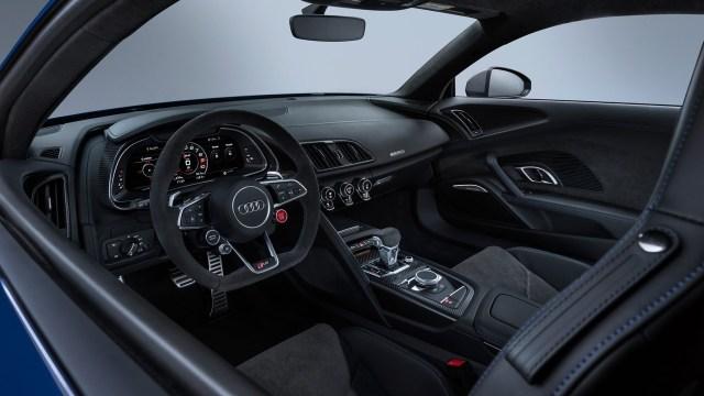 Interior muy deportivo, con butacas casi de carrera. (Audi)