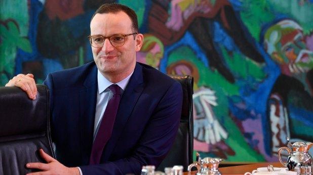 Jens Spahn, ministro de Salud de Alemania. El funcionario busca alcanzar la tasa de 95% de vacunación en el país (AFP)