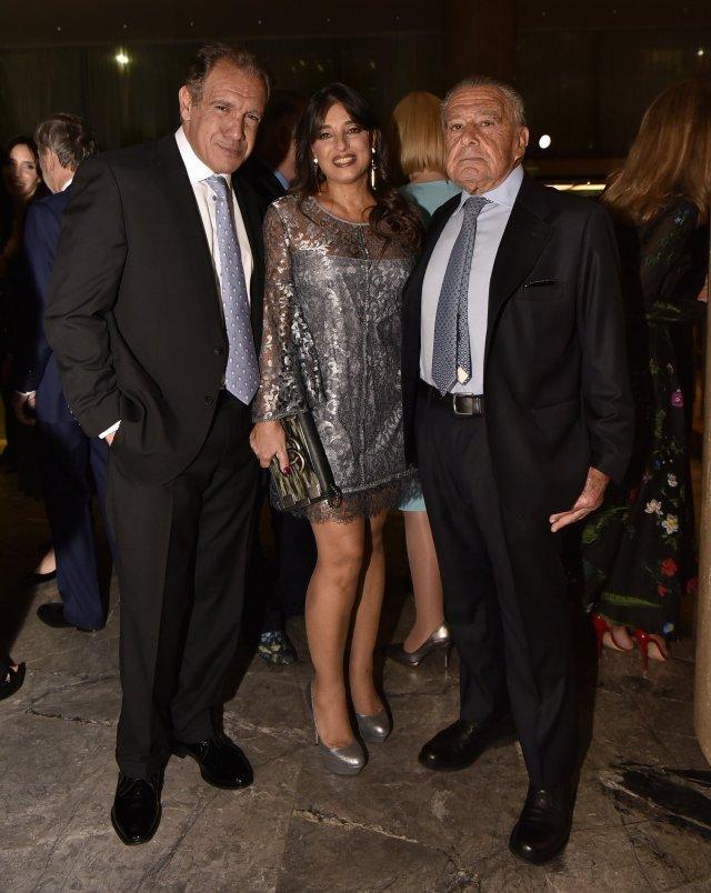 Daniel Hadad, fundador de Infobae; su mujer Viviana Zocco y Eduardo Eurnekian, presidente de Corporación América