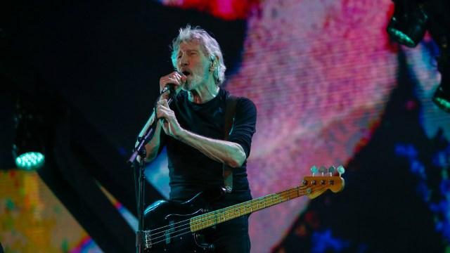 Roger Waters lució un estilo informal: remera y pantalón negros