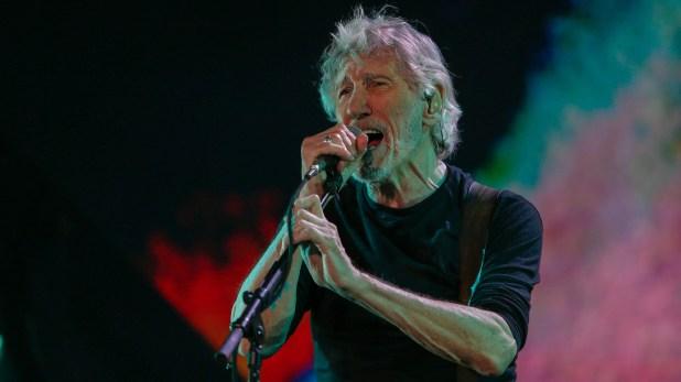 Durante el show interpretó temas de su último disco y hits de Pink Floyd
