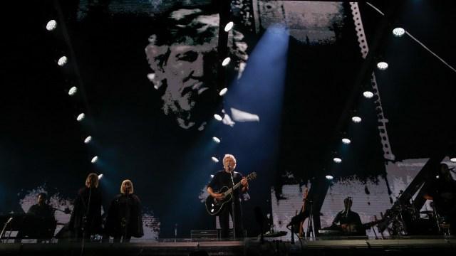 El show se dividió en dos partes: la primera, fue emotiva y la segunda, dedicada a Pink Floyd