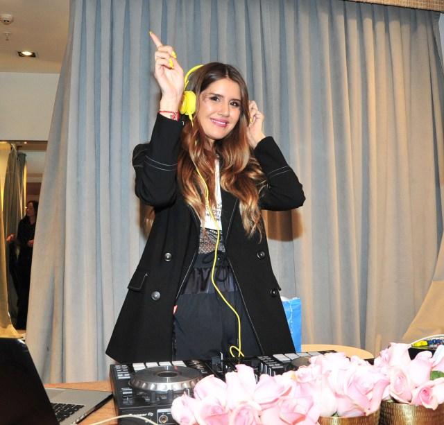 La hija de Marcelo Tinelli pasó música en su local