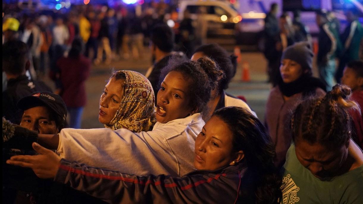 Entre los migrantes se encuentran cientos de mujeres (Foto: Reuters/Go Nakamura)