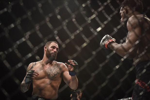 En la pelea estelar de UFC Argentina, el argentino Santiago Ponzinibbio derrotó por nocaut a Nei Magny (Guillermo Llamos)