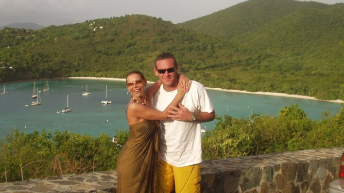 Nora y Macarrón durante unas vacaciones