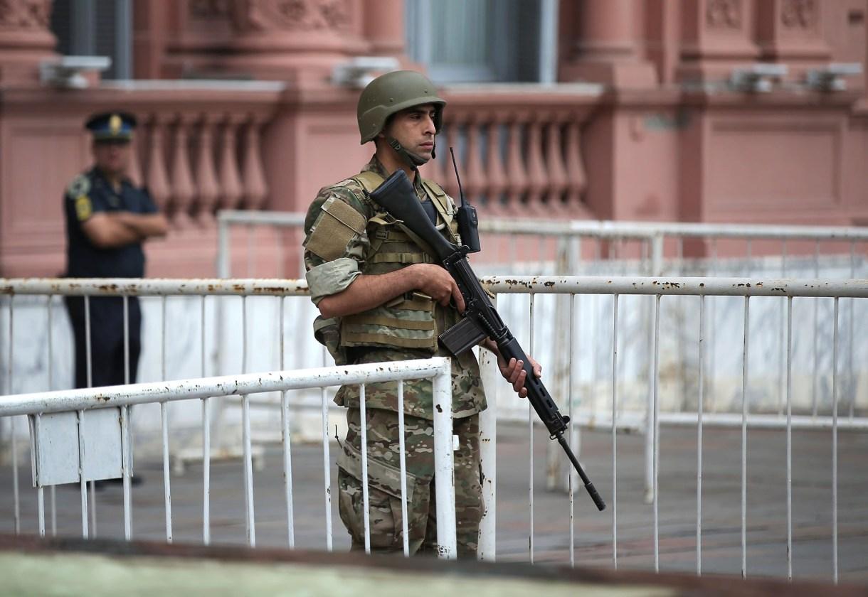 Del operativo de seguridad participan la Policía de la Ciudad, la Federal, el Ejército y otras fuerzas federales (Reuters)