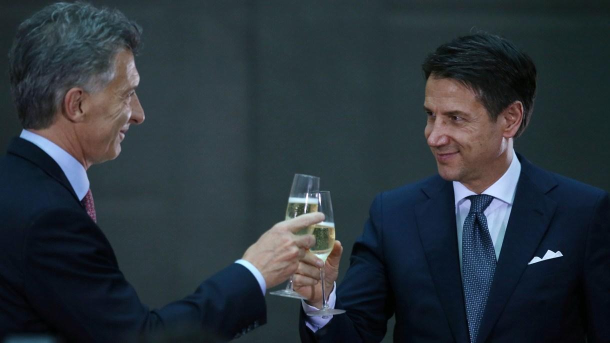 Mauricio Macri y Giuseppe Conte (Reuters)