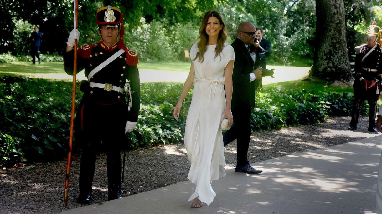 Juliana Awada ofició de anfitriona en la recepción de Villa Ocampo (Nicolás Stulberg).