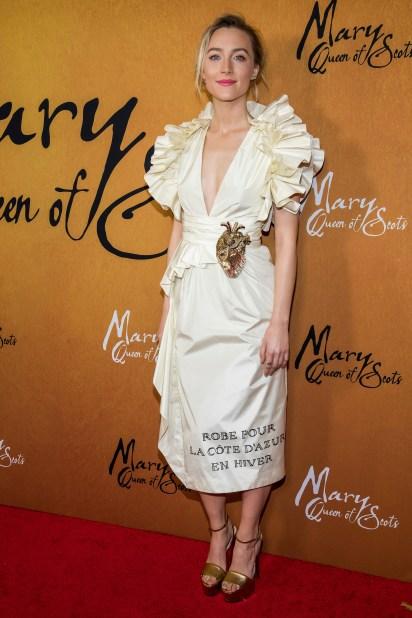Saoirse Ronan: la protagonista, de 24 años, interpreta a María, reina de Escocia. Los rumores aseguran que habría encontrado el amor en los brazos del protagonista masculino de la película, Jack Lowden