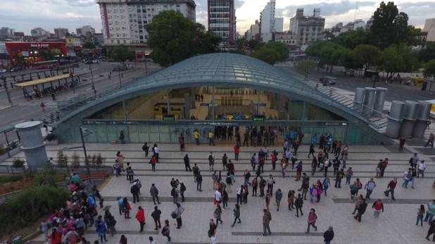 El subte fue cerrado para todo el público debido a la presencia de los manifestantes