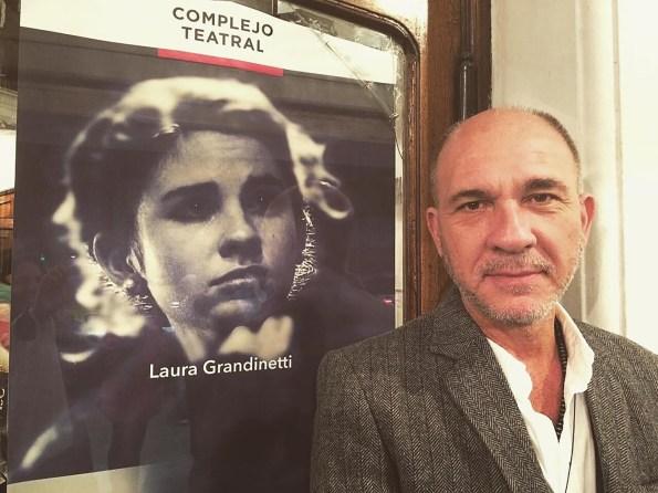 Dario Grandinetti orgulloso espectador de su hija en el teatro (Instagram @laugrandinetti)