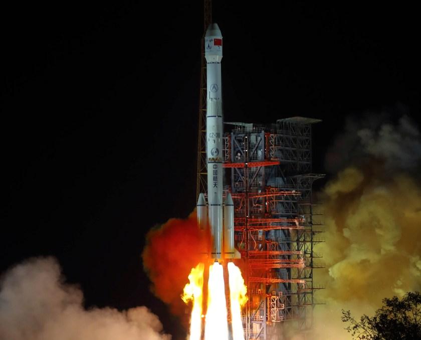El lanzamiento de la sondaChang'e 4 el 9 de diciembre de 2018 (Jiang Hongjing/Xinhua via AP)