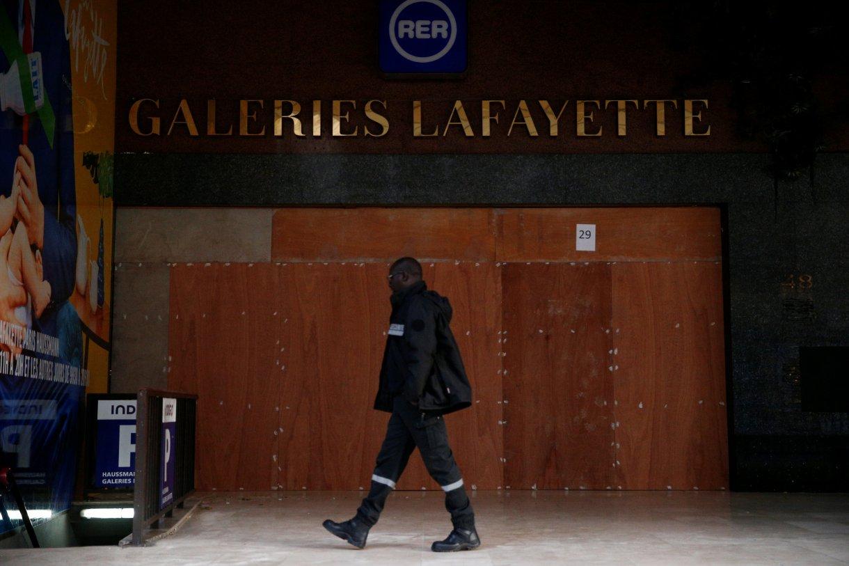 Las Galeries Lafayette, cerradas (REUTERS/Stephane Mahe)