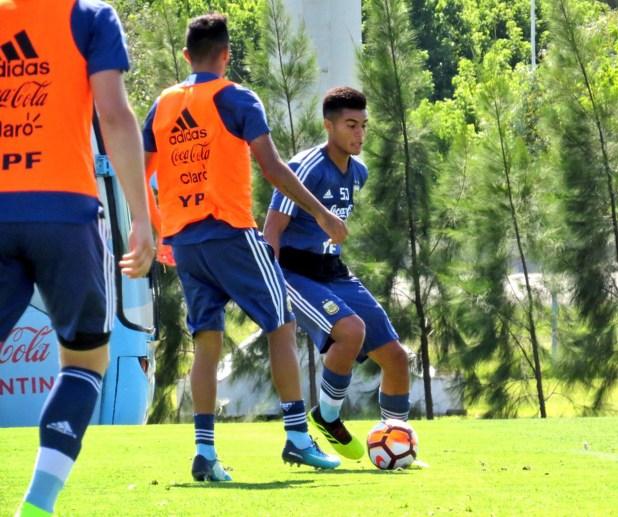 La selección entrenó en Ezeiza (Twitter: @Argentina)