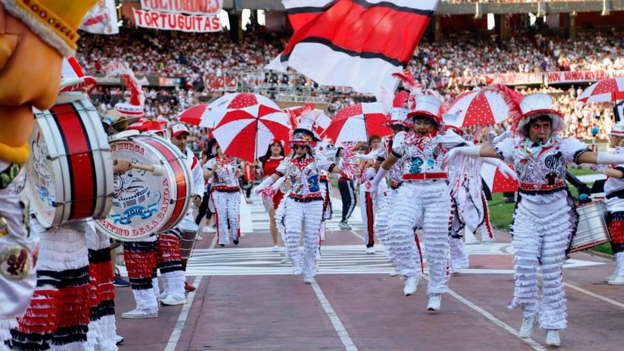 Tras lograr el tercer puesto en el Mundial de Clubes, el plantel de River regresó a la Argentina y, tras aterrizar en Ezeiza, tuvo su fiesta en el estadio Monumental, junto a sus hinchas