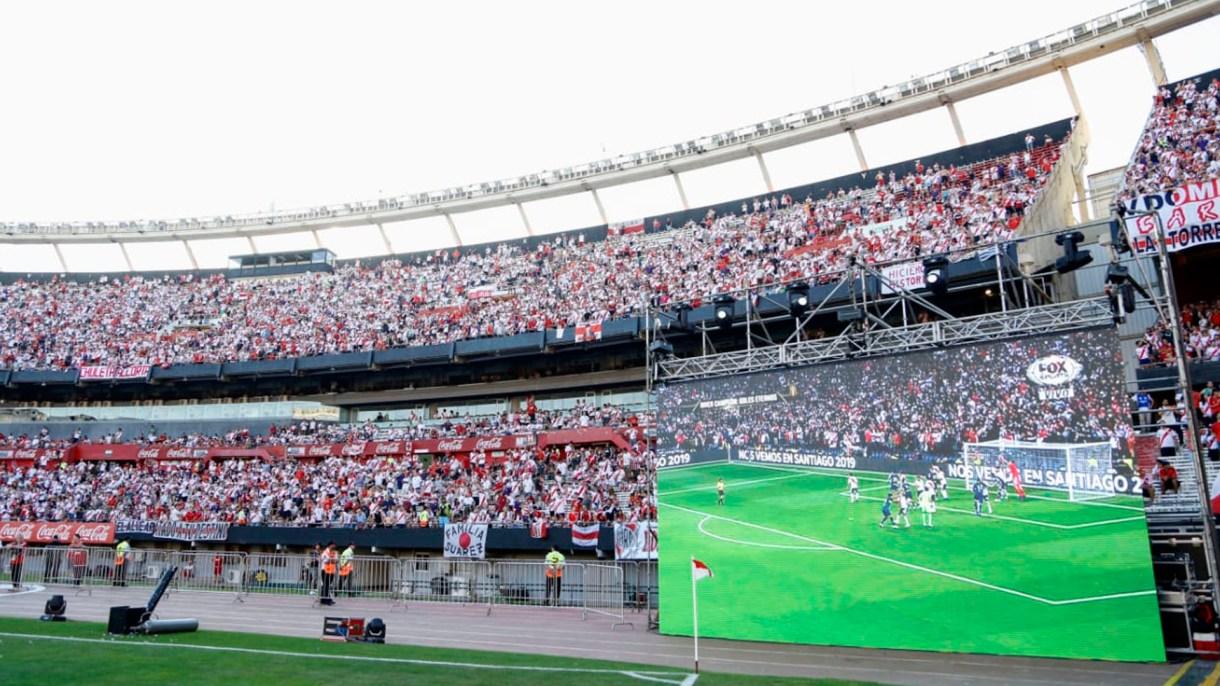 Alfombra roja, lluvia de ovaciones y vuelta olímpica: el festejo de River por el triunfo ante Boca en la Superfinal de la Libertadores
