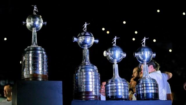 Las cuatro Copas Libertadores que River ganó en su historia posaron en el estadio Monumental