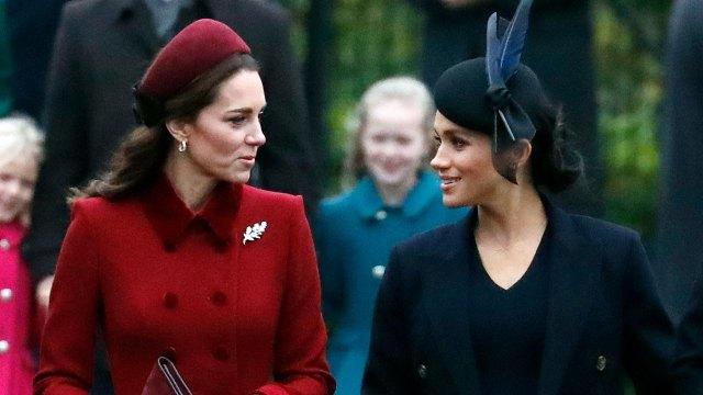 Kate Middleton y Meghan Markle asistieron a la misa de Navidad en Norfolk (AP)