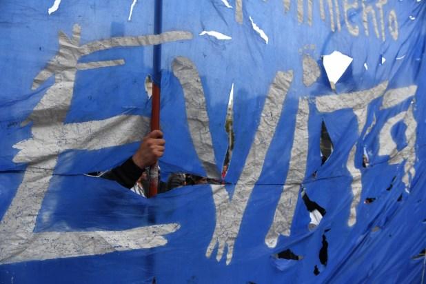 Manifestantes del Movimiento Evita durante una marcha en la ciudad de Buenos Aires (Maxi Luna)